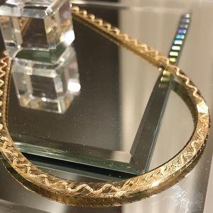 14Karat yellow gold herringbone w/ design chain